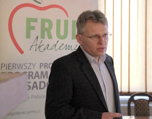 technologia uprawy, malina, nawożenie malin, ochrona malin, ZZO Warka, dr Paweł Krawiec