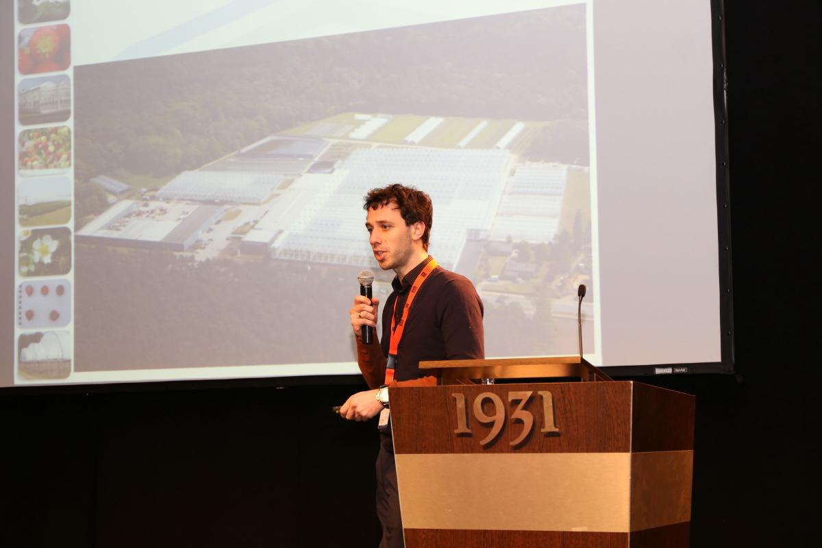Tom van Delm z Proefcentrum Hoogstraten z Belgii.