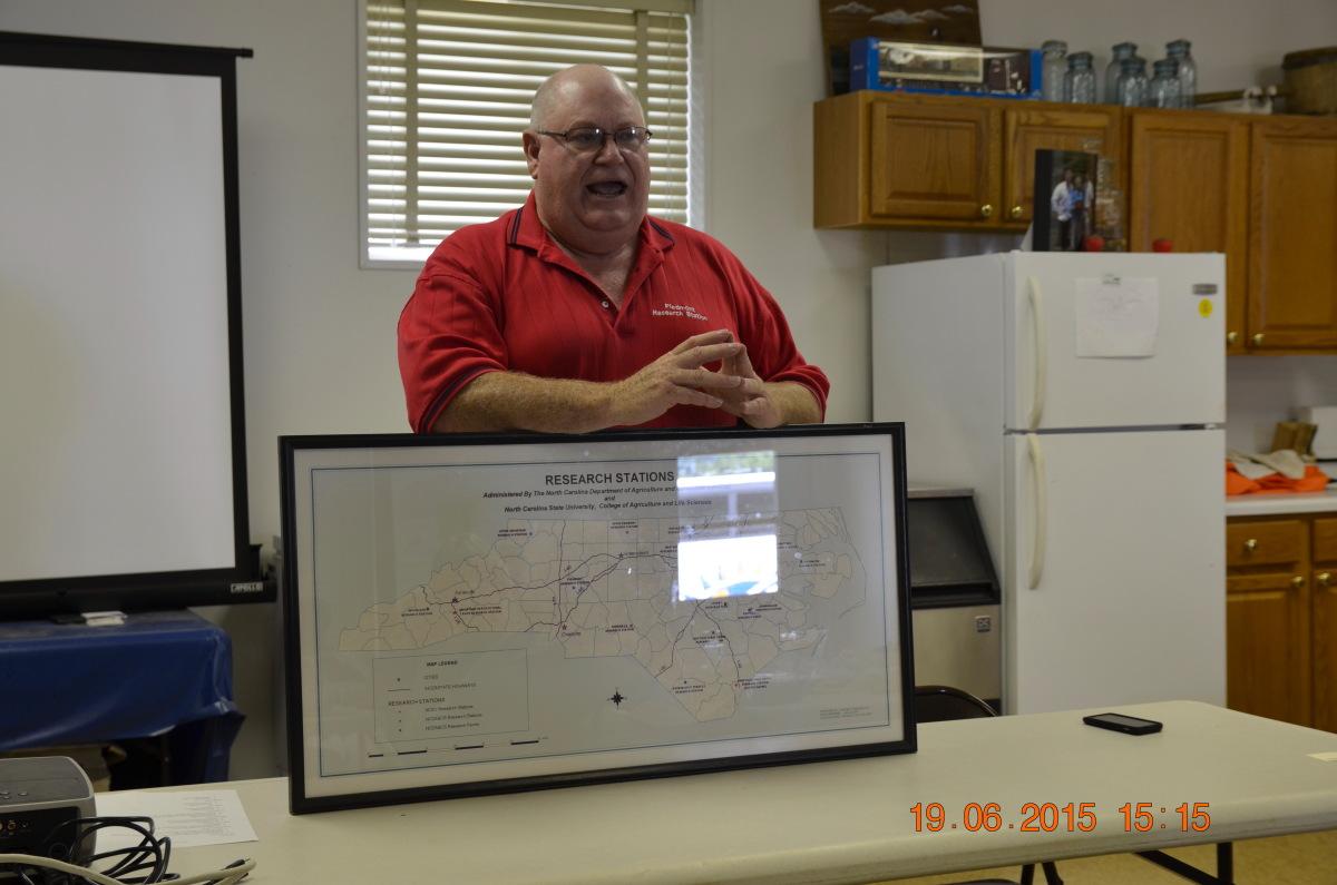 Joe Hampton, menadżer Stacji Doświadczalnej w Salisbury