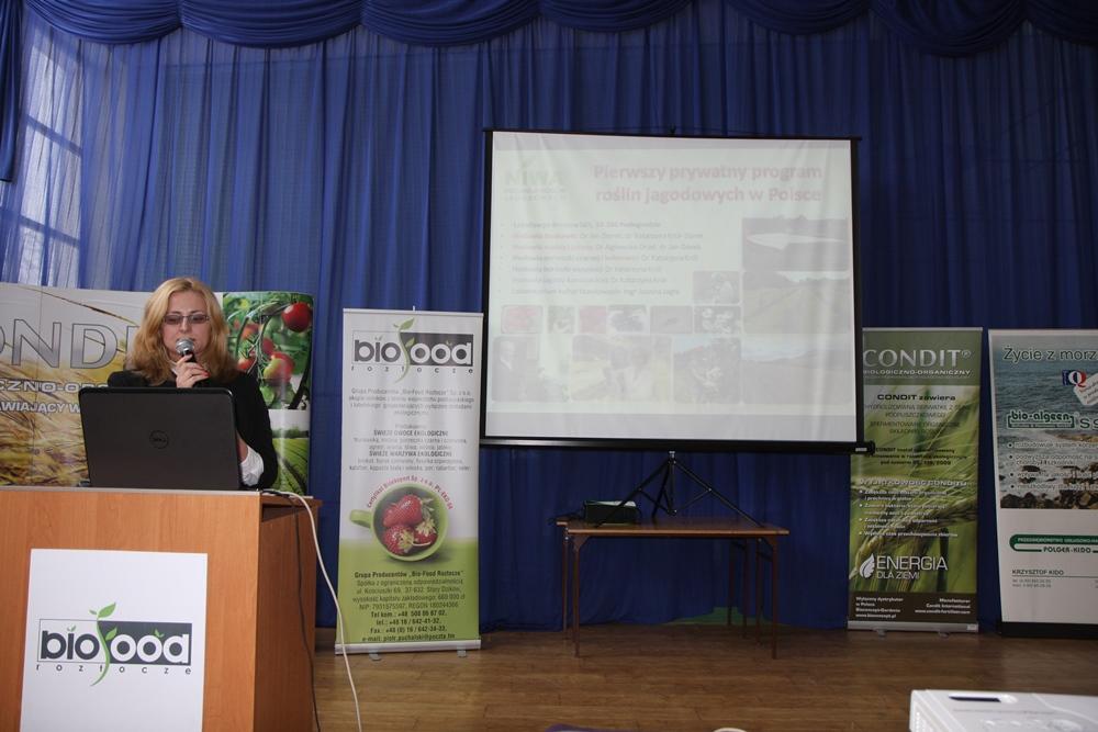 Dr Agnieszka Orzeł mówiła o wirusach atakujących maliny