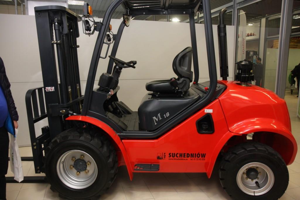 Ciekawy wariant wózka terenowego zaprezentowała firma Suchedniów.