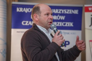 dr Piotr Baryła