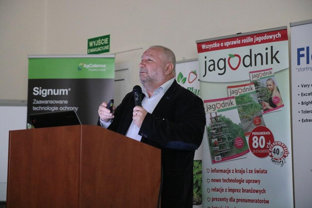 Jarosław Barszczewski z Yara Poland mówi o nawożeniu truskawek
