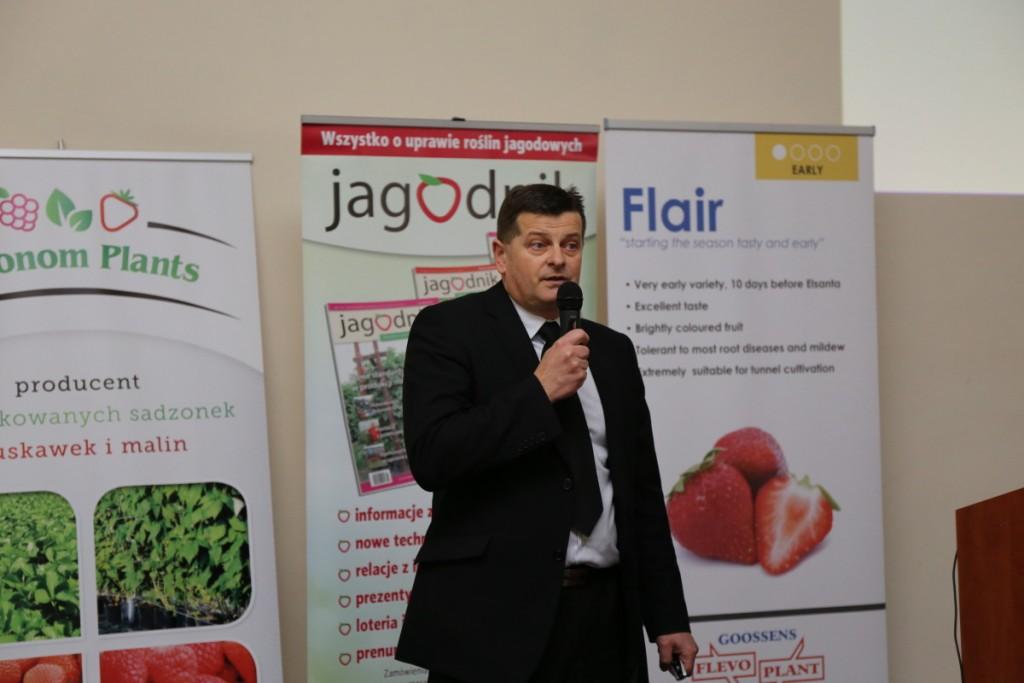 Dr hab. Zbigniew Jarosz z UP w Lublinie opowiada o fertygacji w uprawie truskawki