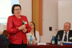 Prof. dr hab. Elżbieta Rozpara mówiła o ekologicznej uprawie aronii