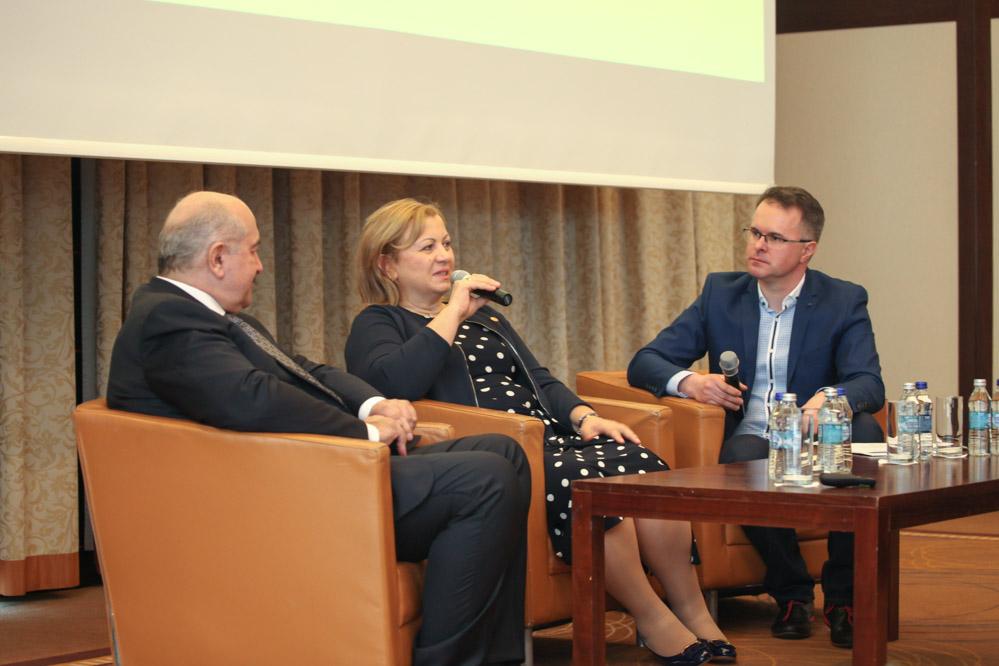 O historii swojej działalności opowiadali Leszek i Wiesława Barańscy - rozmowę prowadził Marek Jezierski