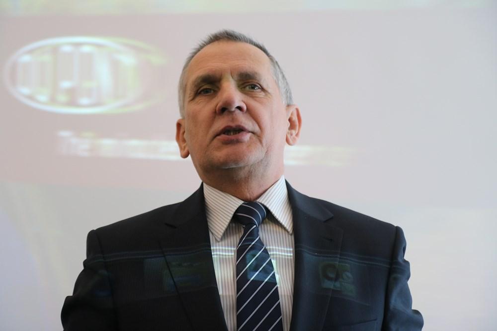 Przybyłych gości witał także Piotr Gill, dyrektor DuPont Central Europe