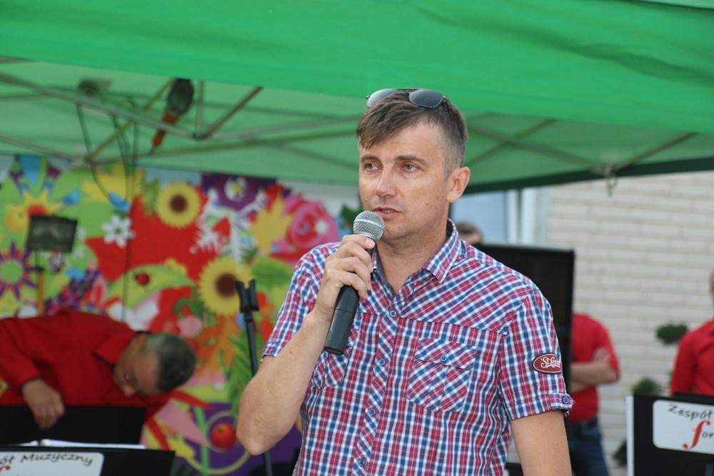Dr Dariusz Teper podczas prelekcji