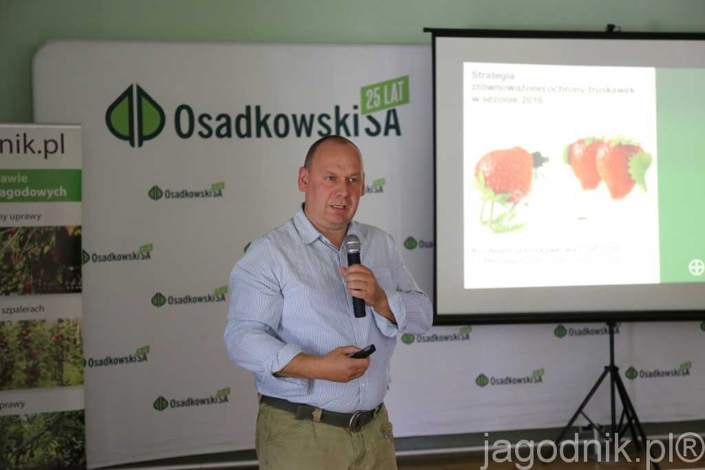 Nowe rozwiązania w ochronie truskawek – zalecenia i podsumowanie były tematem wystąienia Mirosława Korzeniowskiego z firmy Bayer