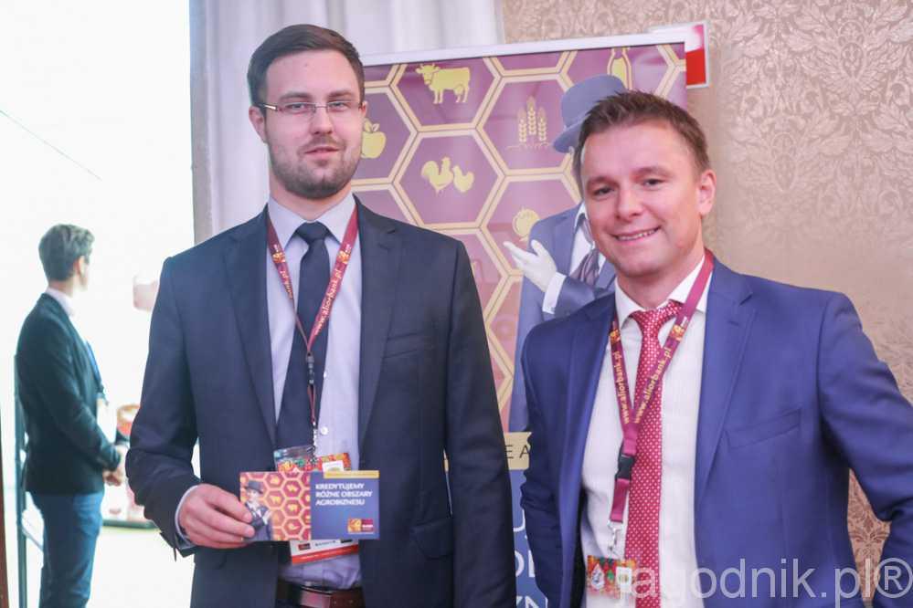 Adam Siemiński (z prawej) i Konrad Grądzki zachęcali do korzystania z oferty finansowej Alior Banku