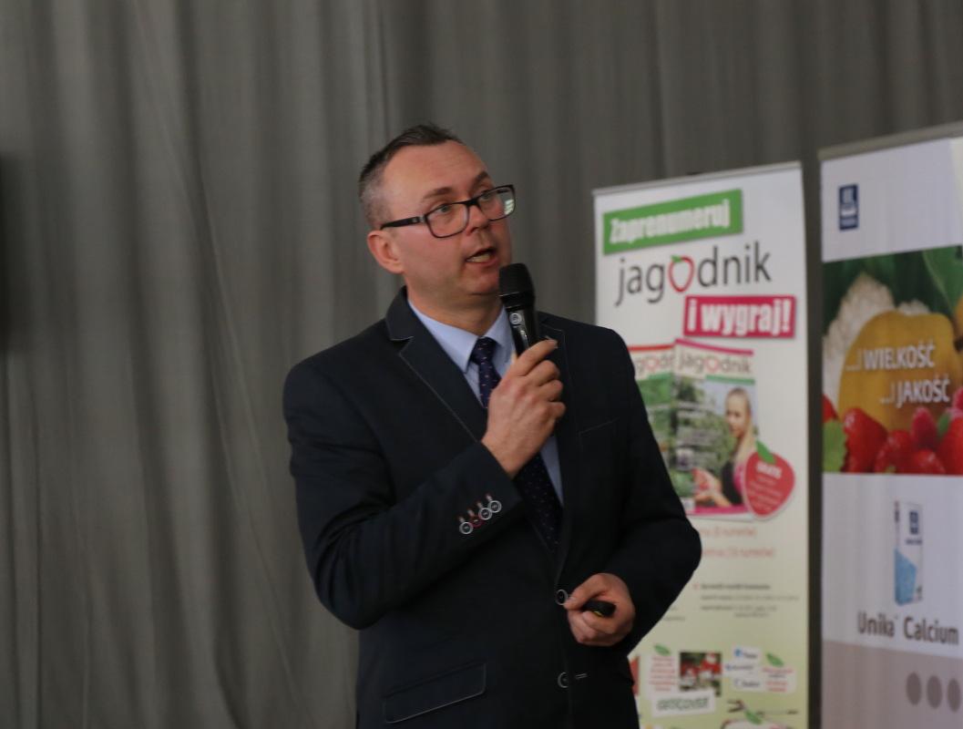Stan odżywienia malin w minionym sezonie omówił dr Andrzej Grenda, Yara Poland