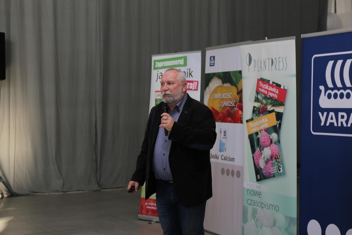 Temat uprawy malin w Wielkiej Brytanii zreferował Jarosław Barszczewski (Yara Poland)